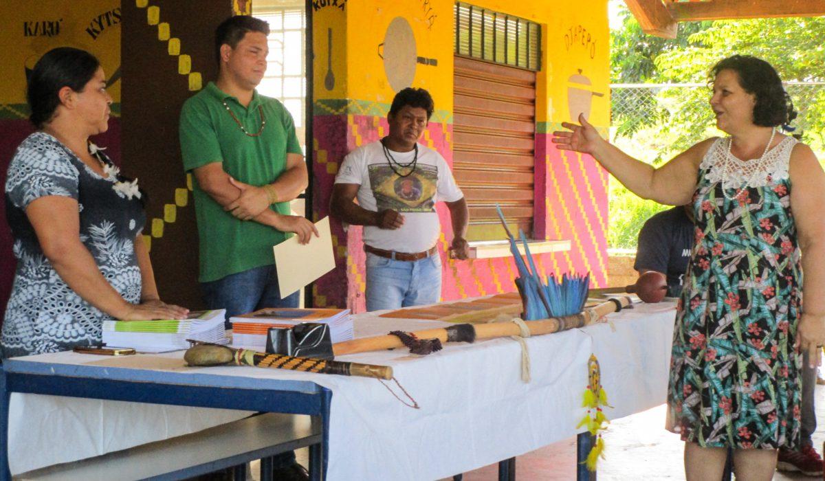 Kamuri lança livros didáticos Nhandewa-Guarani